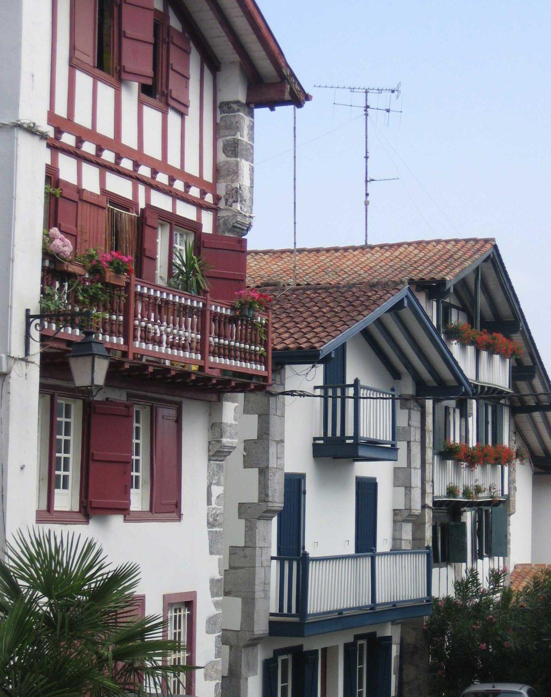 Rue Xerri Karika Cambo Les Bains